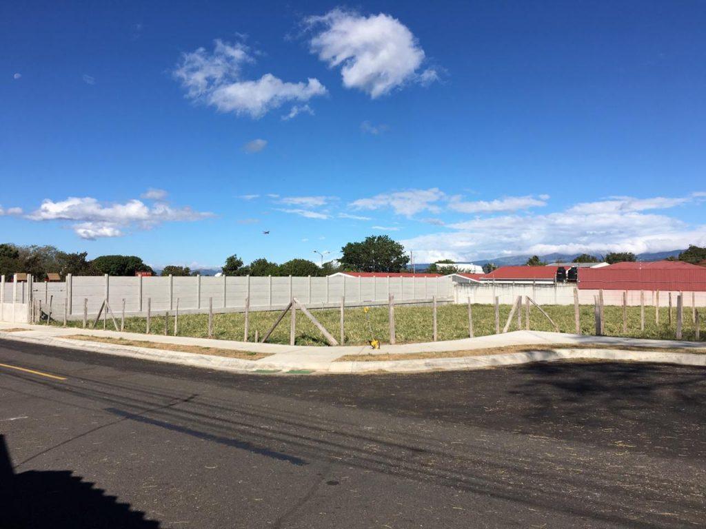 Lotes listos para construir con agua uso de suelo Residencial